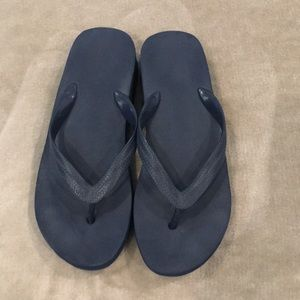 Old Navy, Navy blue wedge thong